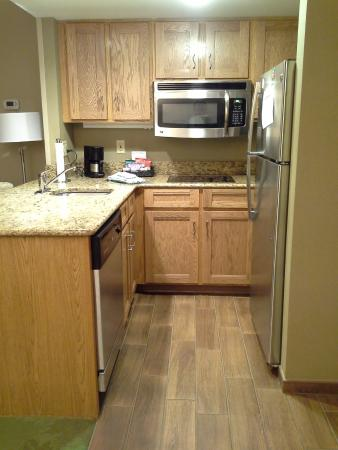 Homewood Suites by Hilton Harrisburg-West Hershey Area: Kitchen