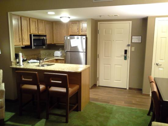 Homewood Suites by Hilton Harrisburg-West Hershey Area: Kitchen/Dining Area