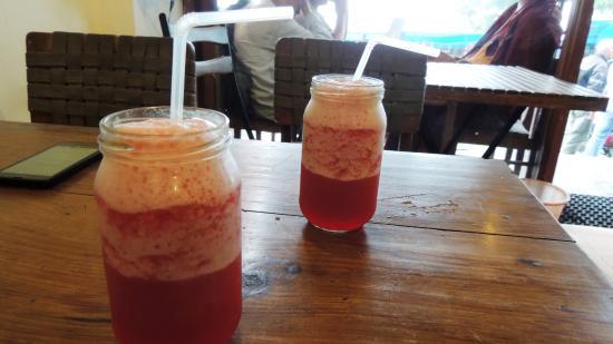 MoonPeak Thali: Hibiscus ice tea