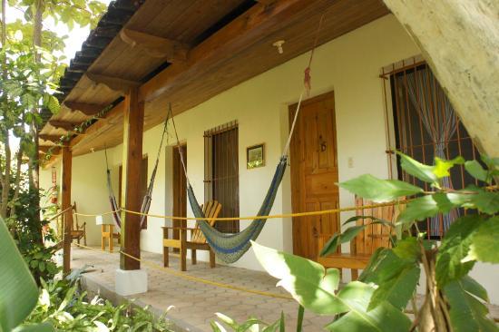 Hotel & Restaurant Guancascos: Corredor - porch