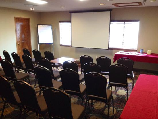 Hawthorn Suites By Wyndham Fishkill/Poughkeepsie Area: Meeting Classroom for 25