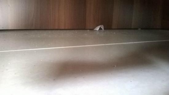 Hulhumale Inn: sotto il letto
