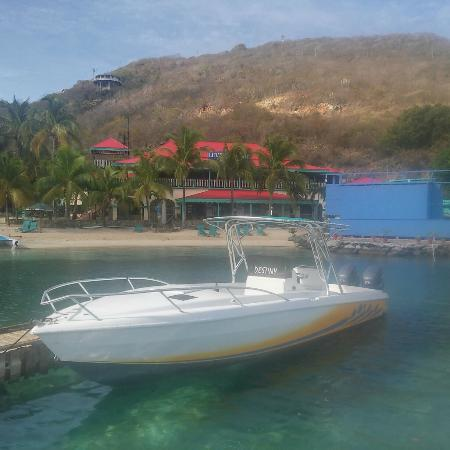 Virgin Gorda: One of our 30' Powerboats