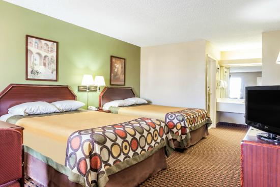 Super 8 Madison/Ridgeland Area: Double bed