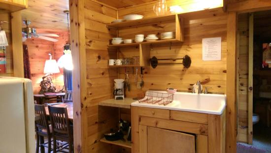 Camp Driftwood: Well stocked, immaculate kitchen