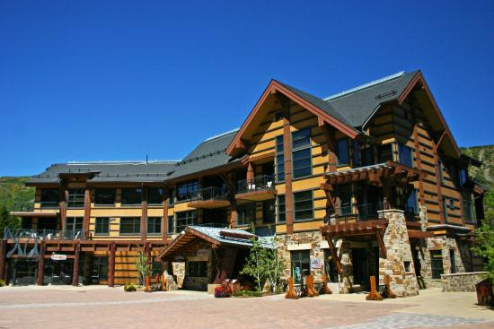 Hayden Lodge Snowmass Mountain Lodging: Hayden Lodge Exterior-Summer