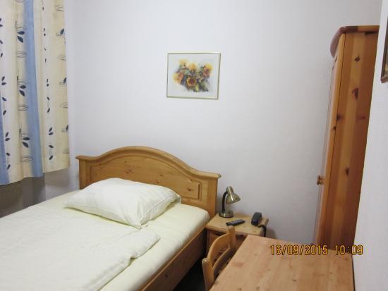 Pension Locarno: Удобная кровать
