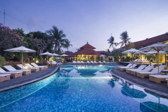 Kuta Beach Club Hotel: Swimming Pool