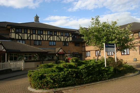 Travelodge Milton Keynes Shenley Church End Front Entrance Toby Carvery Next Door To Left