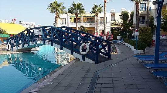 Kefalonitis Hotel Apts Bridge Over Swimming Pool