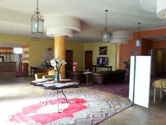 Hotel Don Carlo: Hall