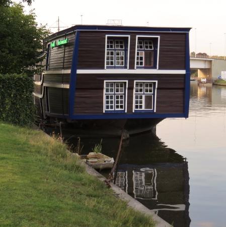 De Barge Hotel: Boat-Hotel De Barge