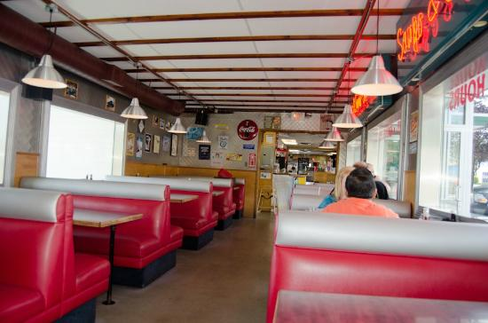 Back to the 50s picture of rocko 39 s family diner mission for Family diner