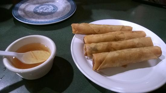 Pho House : spring rolls and fish sauce