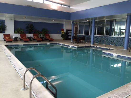 Baltimore Marriott Waterfront Indoor Pool