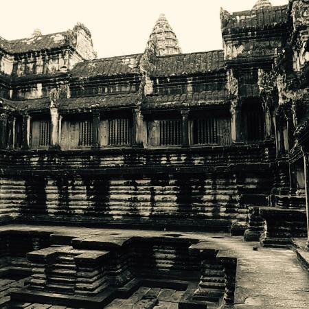 Sketch Travel Service Cambodia - One Day Tours: 【 Inside Angkor Wat 】 (°_°)  (°_°)