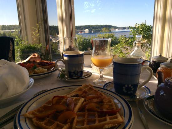 40 Bay Street Bed & Breakfast: Delicious breakfast
