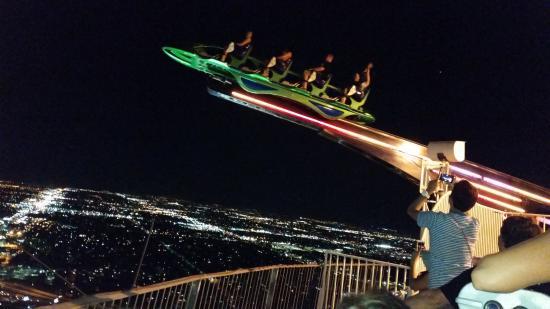 Prächtig Uno de los juegos en lo alto de la torre - Picture of Stratosphere #ZY_15