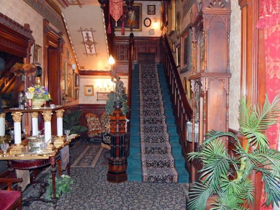 The Frederick Stegmaier Mansion: inside the front door entrance