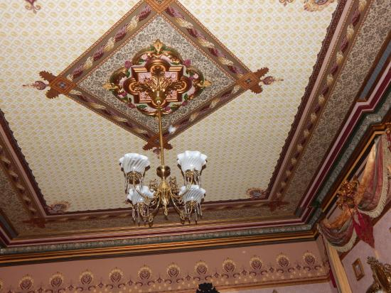 The Frederick Stegmaier Mansion: beautiful ceiling