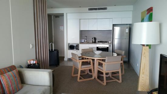 Oaks Redcliffe Mon Komo Suites: The room