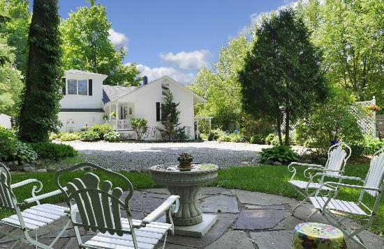 Saugatuck, MI: Marywood offers a captivating private and serene setting