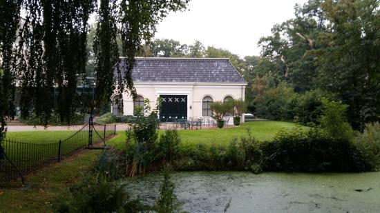 Landgoed De Klinze: The frontroom from outside