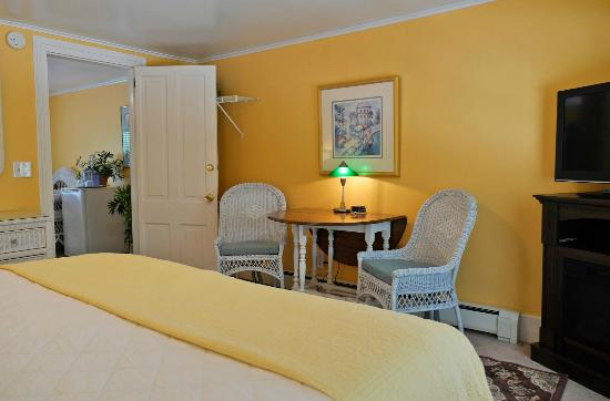 Marywood Manor: Oxbow Suite