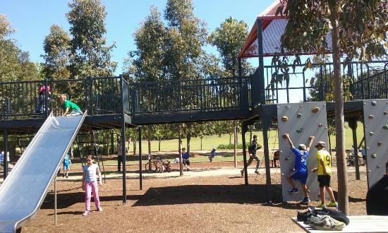Merrylands, Australia: Holroyd Gardens, some of the kids area