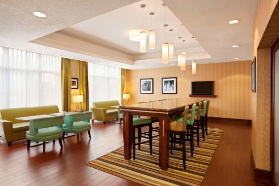 Hampton Inn Quakertown: Dining Area with Free Breakfast