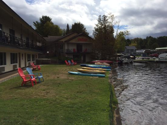 Gauthier's Saranac Lake Inn and Hotel: All these boats are covered by the $10 'resort fee'.
