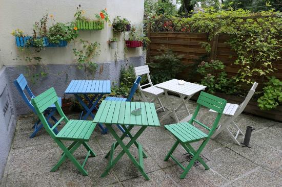 Appartements Ferchergasse: Cute patio & garden