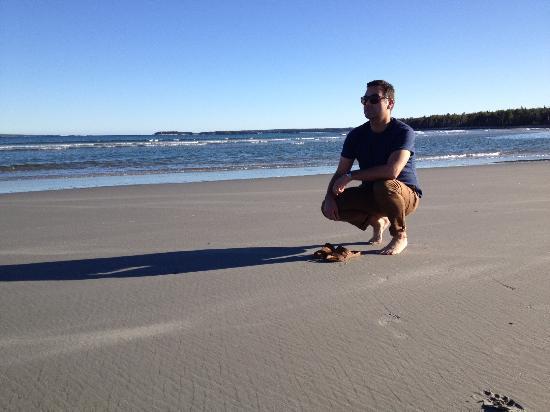 Summerville Centre, แคนาดา: Enjoying a beach walk