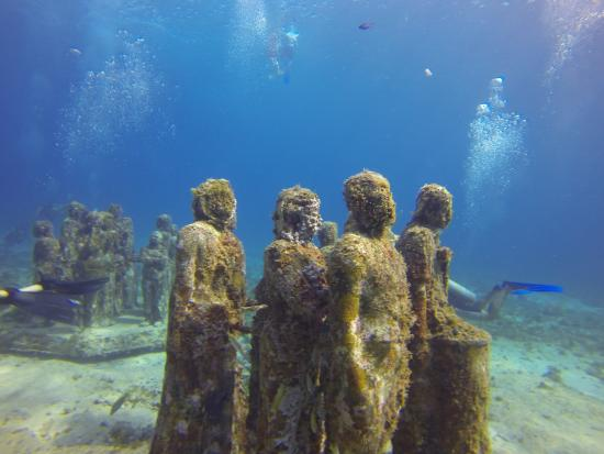 ME Cancun: The underwater museum.