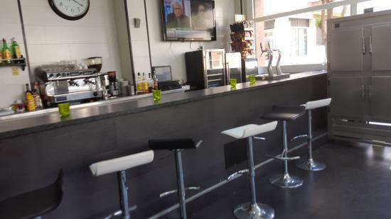 Restaurante bar el jardin en sant andreu de la barca con for Bar jardin barcelona