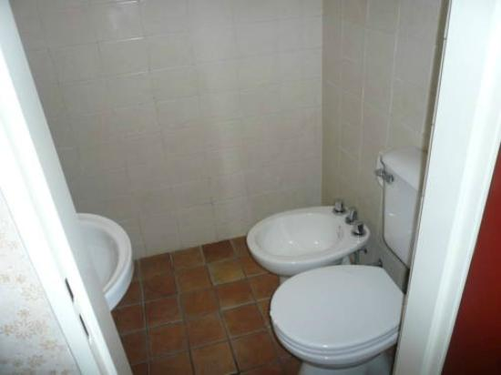 Hotel Cosme: Baño