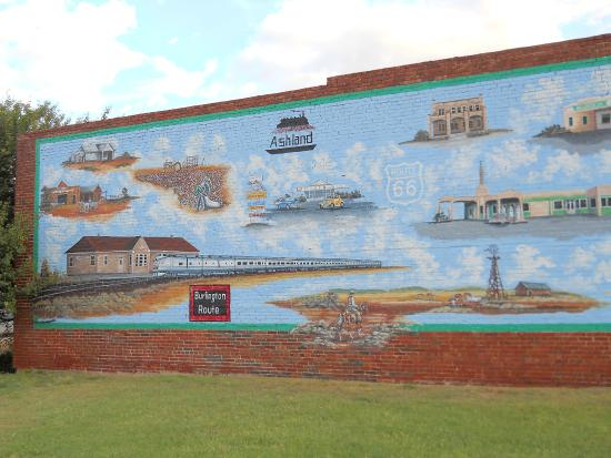 Shamrock, TX: Mural at Water Tower Plaza