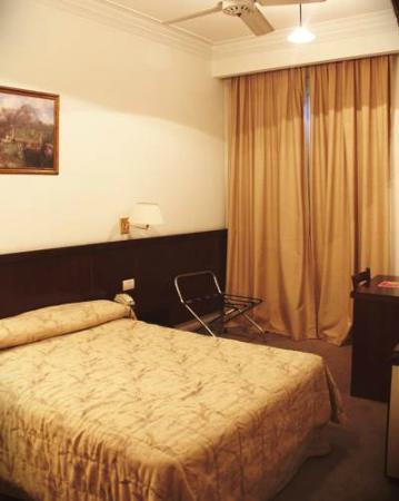Nuevo Hotel Callao: Habitación
