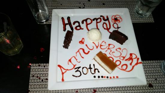 Fire Grill Steak House & Lounge Bar: Awesome food, great service. Great way to celebrate our big day.