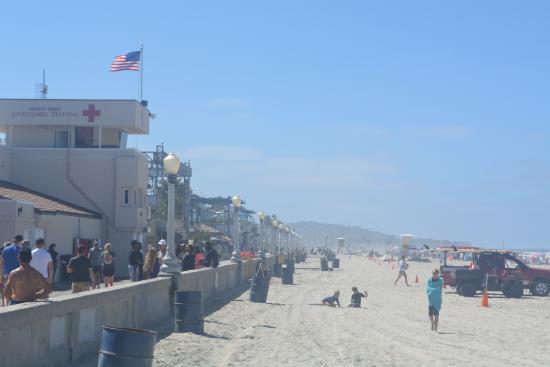 Foto de Mission Beach Boardwalk, San Diego: Mission Beach ...
