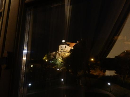 Dom na Podwalu: A night view from my room at the Old Town.