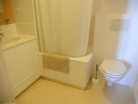 Hotel Continental: バスルーム