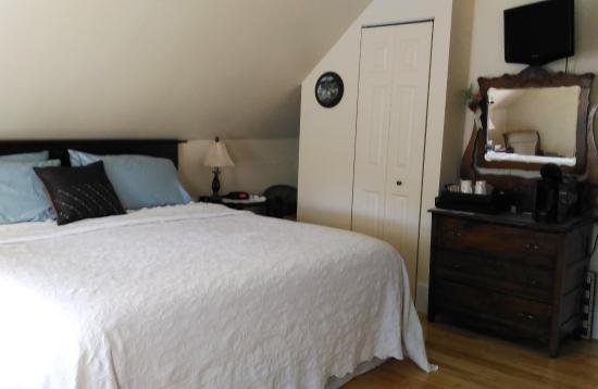 Azelia Farmhouse B & B: Bedroom