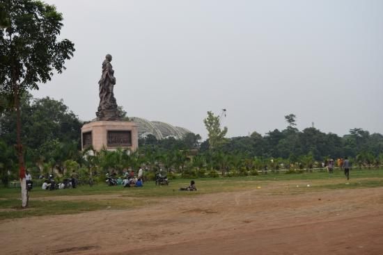 Gandhi Maidan: Gandhi ji Monument