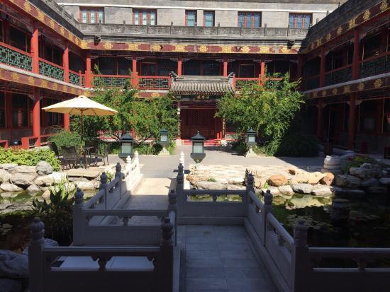 Han's Royal Garden Hotel: photo1.jpg