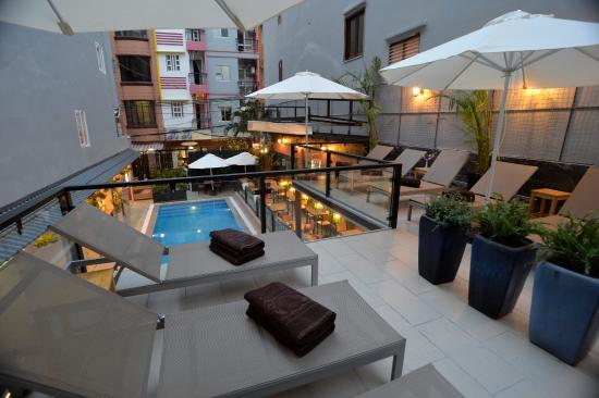 The oasis saigon entrance picture of beautiful saigon for Beautiful boutique hotels