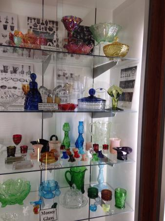 The National Museum of Cambridge Glass: photo1.jpg