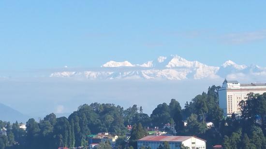 Dekeling Hotel: Kanchenjungha from Room