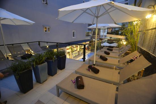 Beautiful Saigon 3 Hotel: Outdoor spa area