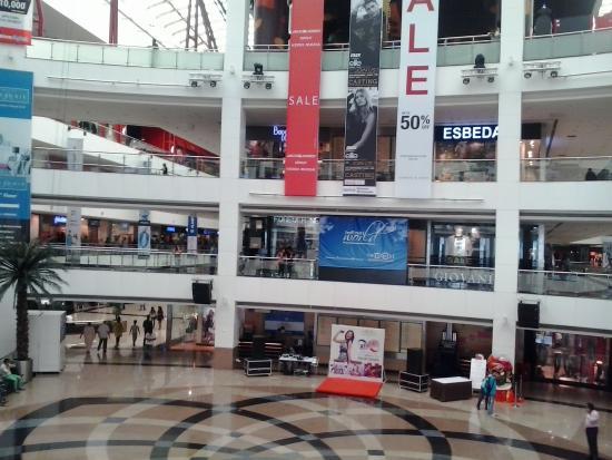 Infiniti Mall: Inside